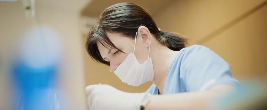 Protezavimas. Dantų implantai. Implantacija. Kauno implantologijos centras.