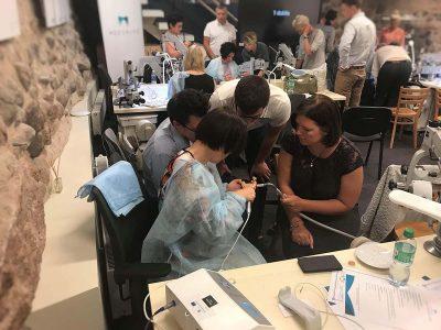 2018 m. birželį KIC komanda tobulinosi Straumann Pro Arch praktiniuose mokymuose.